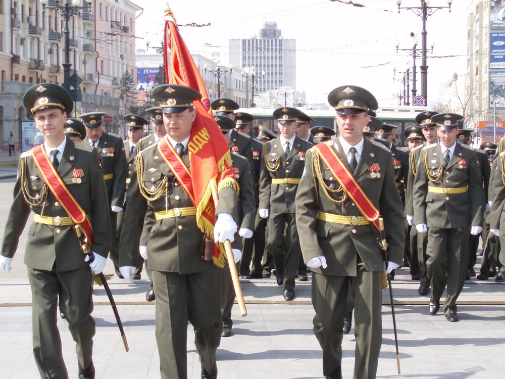 Для участия в параде Победы в Хабаровске, готовятся примерить новую форму о